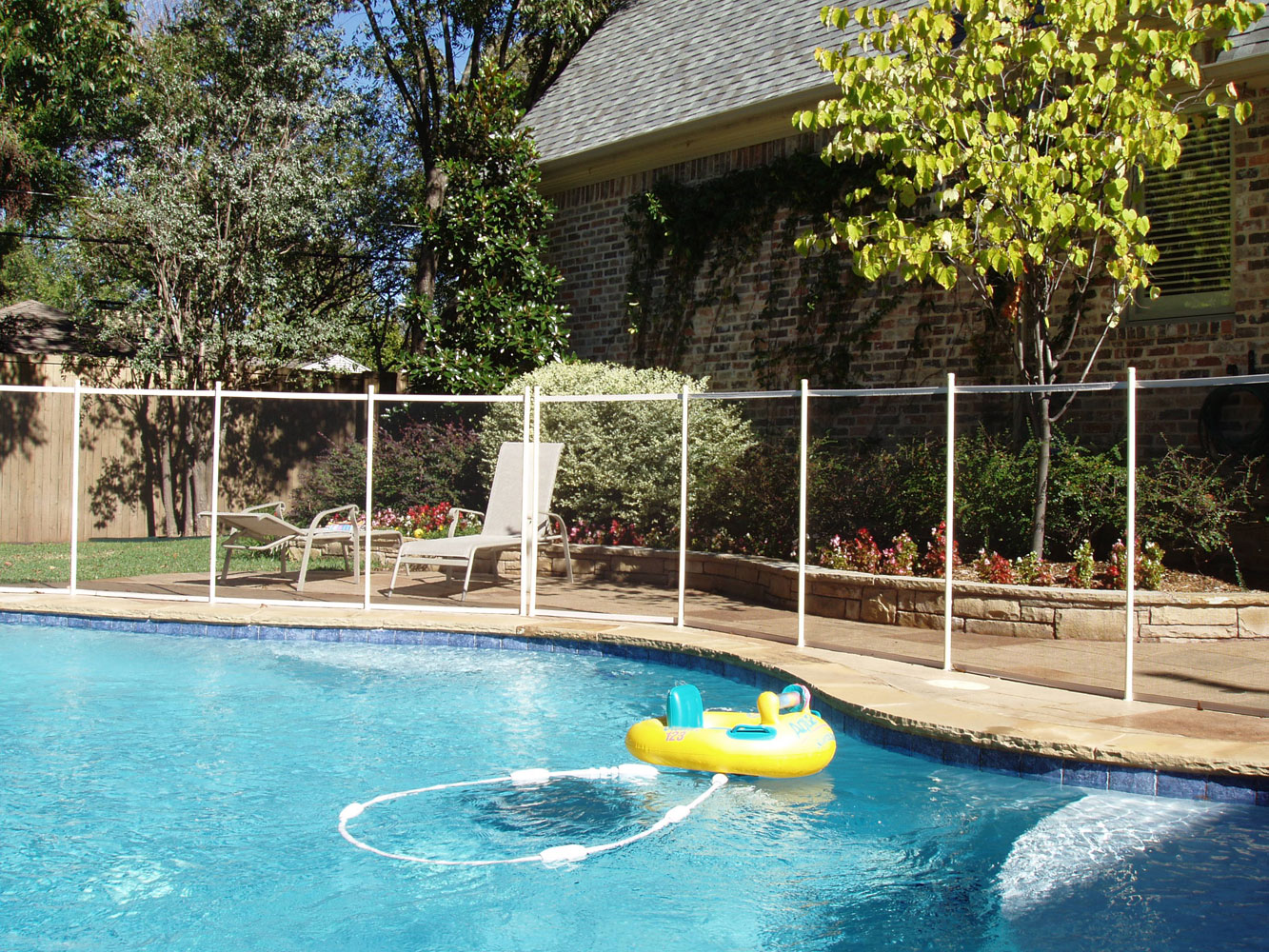 How To Get Rid Of Green Water In A Swimming Pool Childguard Diy Pool Fence