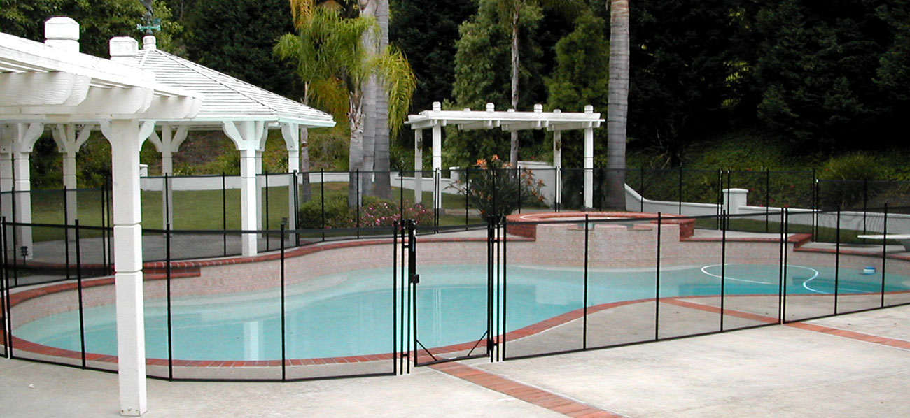 beautiful-diy-pool-fence-large
