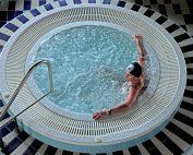 (Aqua) The Benfits of Using a Hot Tub