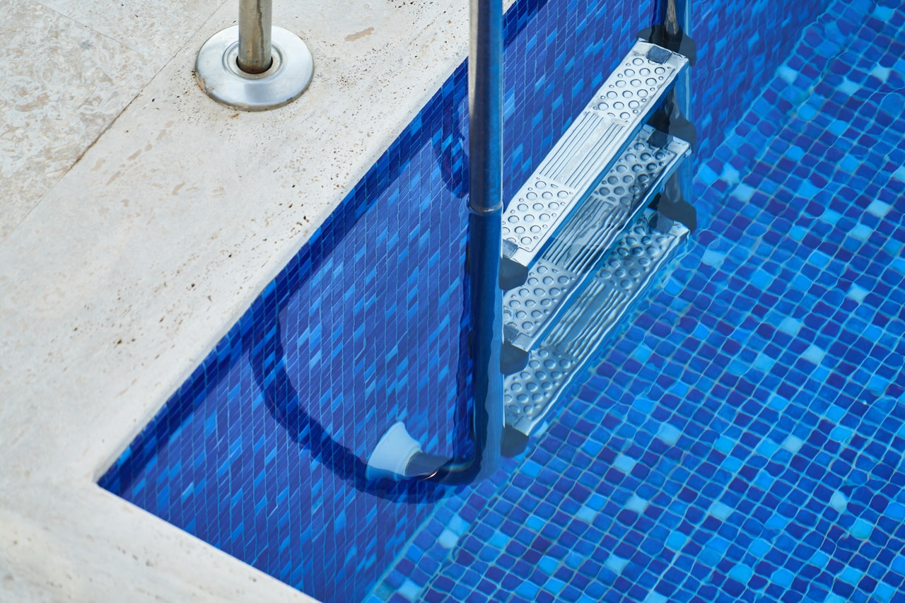 The Pros and Cons of Different Pool Varieties